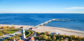 Noclegi Sopot – widok z lotu ptaka na plac Zdrojowy i molo